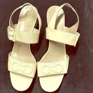 Salvatore Ferragamo block heeled sandals sz9.5 AA